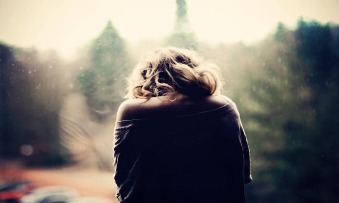 girl-sick-sadness-window-photo-car-mood-wallpaper-694x417